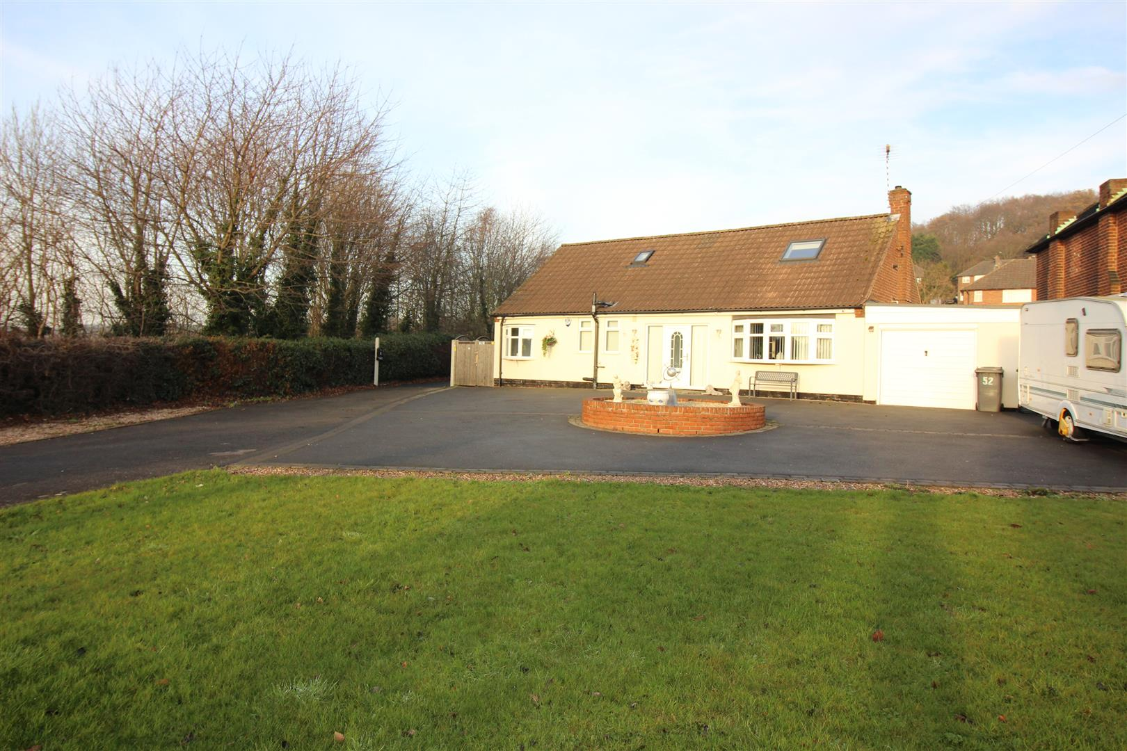 3 Bedrooms Bungalow for sale in Ilkeston Road, Stapleford, Nottingham